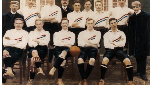Eerste nederlands elftal shirt ooit